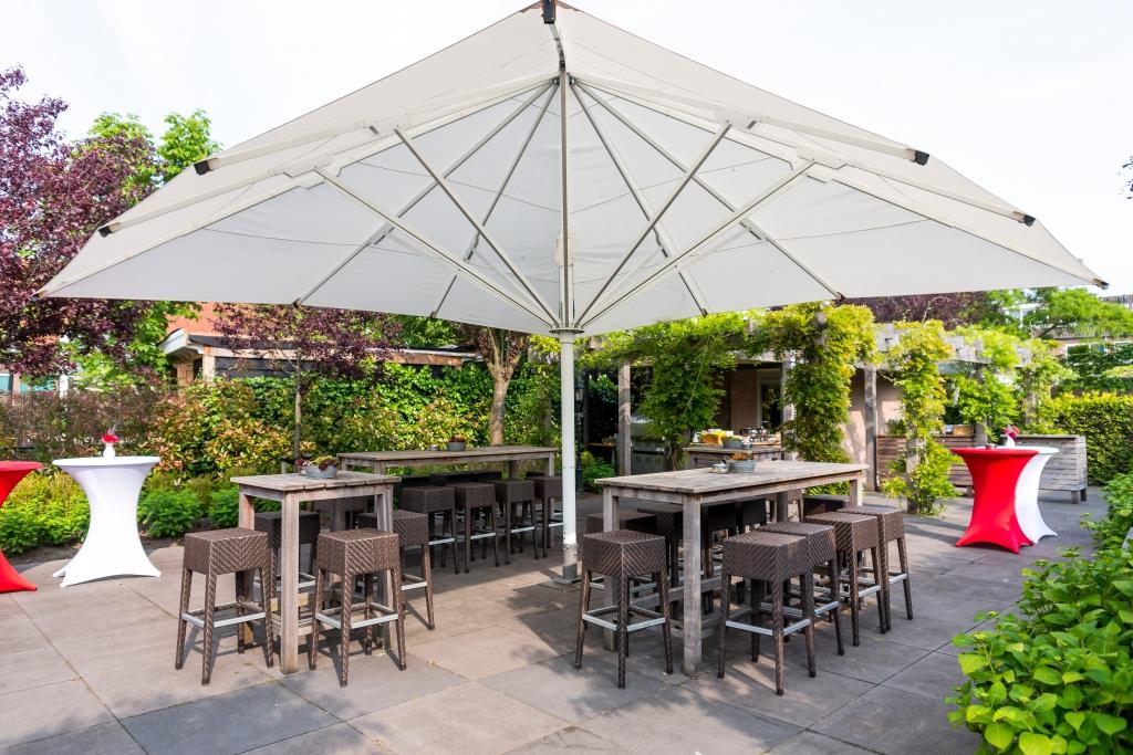 Buitenterras De Til - parasol